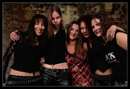 Kieler Räucherei unter Starkstrom – Black Rosie live – female Tribute to AC/DC