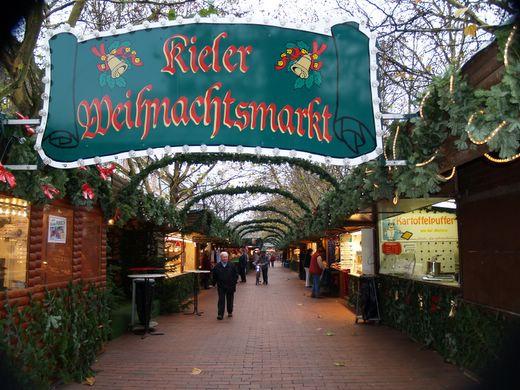 Shoppen und genießen auf dem Kieler Weihnachtsmarkt 2013
