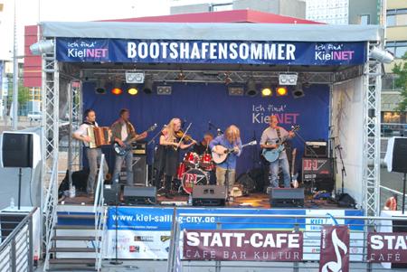 Bands und Künstler für den 6. KielNET Bootshafensommer gesucht