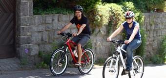 Das Frühjahr beginnt! Sportlich unterwegs auf Mountainbikes mit Rückenwind