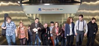 """Uraufführung des Theaterstücks """"U4: Fünf Minuten später"""""""