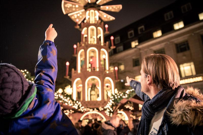 Pyramiden sind die neuen Leuchttürme der Kieler Weihnachtswelt - Blog Kiel-Szene